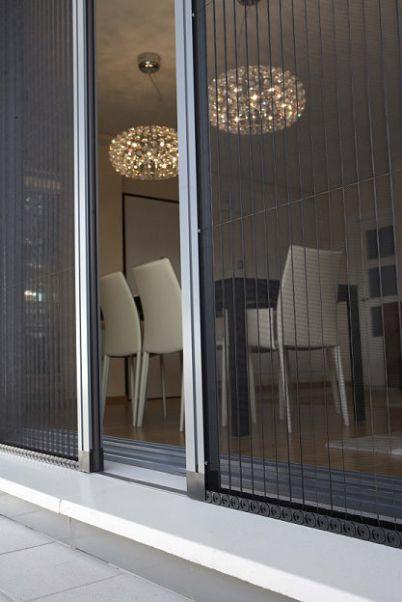 Lo ultimo en cortinas persianas benalua s l for Mosquiteras plisadas para puertas